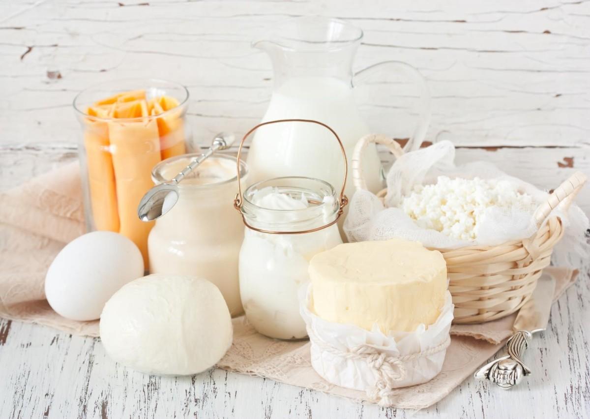 Sind Milchprodukte Gift fuer unseren Koerper? [5 Gruende um Milch & Co zu reduzieren!]