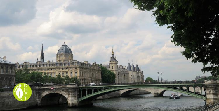 Paris Sehehnswuerdigkeit Pont Notre Dame